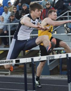 Bedford-boys-track-Garrett-Green-shuggle-hurdle-relay-first-leg-firs-tplace