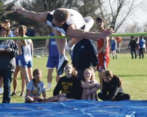 Bedford-boys-track-Josh-Niehart-high-jump