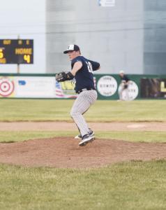 Jordan-Perkins-pitching-2