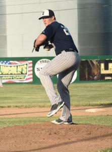 Jordan-Perkins-pitching