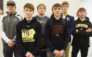 Wrestlers-going-to-districts
