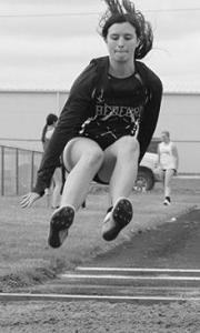 girls-track-long-jump