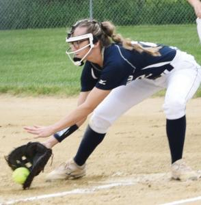 sb--Darcy-Davis-gets-the-out-at-first